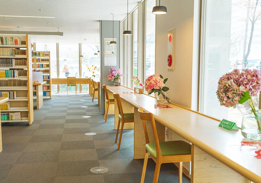 福岡市東図書館